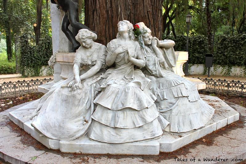 SEVILLA - Parque de María Luisa - Glorieta de Bécquer