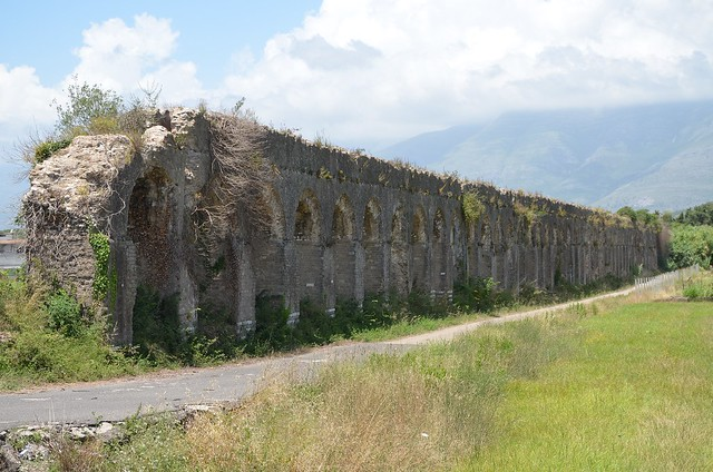 Aqueduct near Minturnae, built between the end of the Republic and the beginning of the Empire, Minturno, Italy