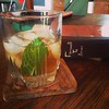 Using leftover Farmer's Market mint for mint juleps #hantzhouse #cocktailhour