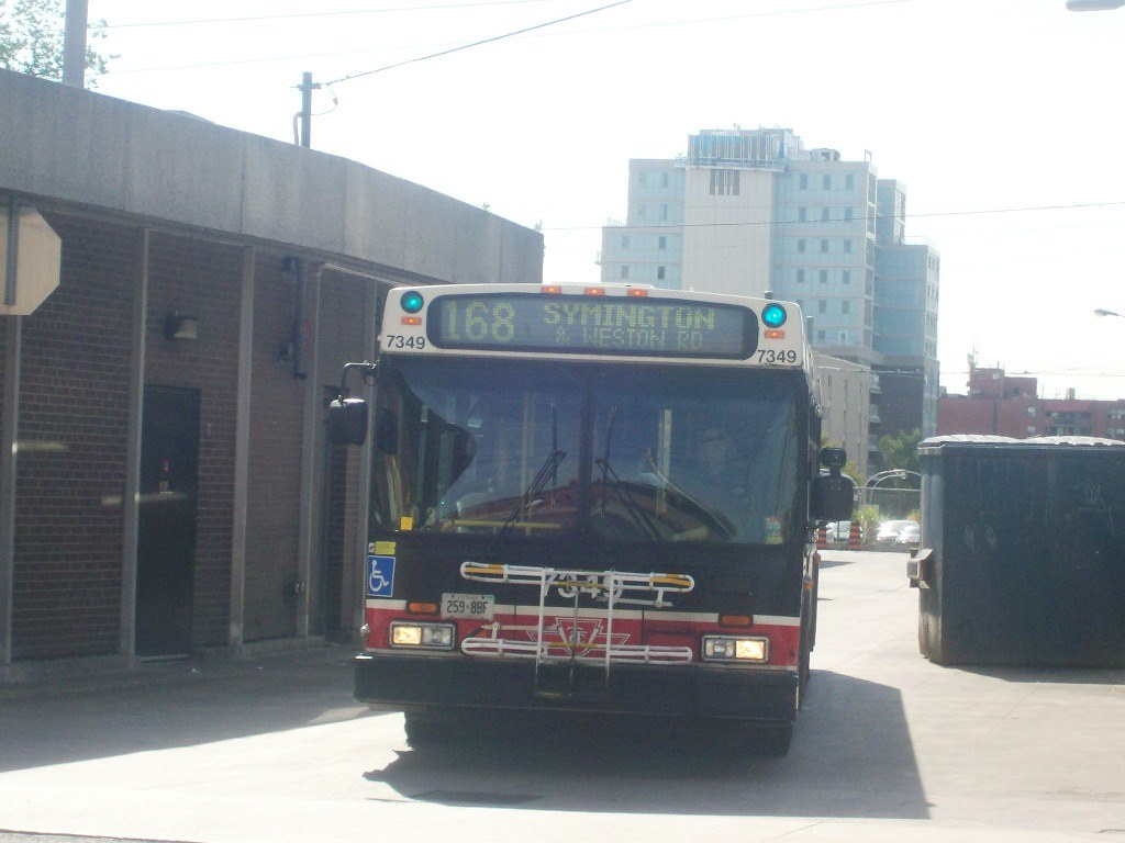 TTC 1999 New Flyer D40LF #7349