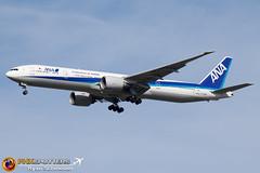 ANA 777-300 JA376A