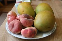 Fruit (peaches / mangos)