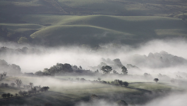 Morning mist in the Rawthey Valley near Sedbergh, Yorkshire Dales National Park, Cumbria, UK