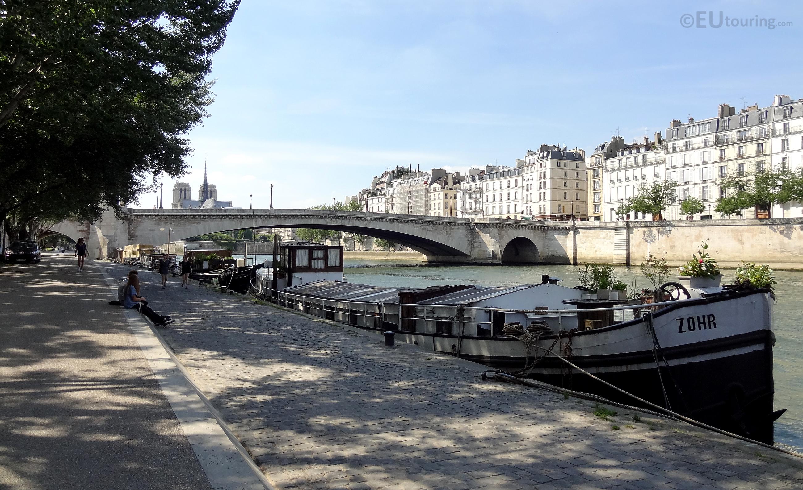 Houseboats near Pont de la Tournelle
