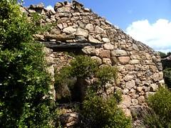 Maison à l'W du hameau ruiné de Pastricciola (porte avec linteau de bois)