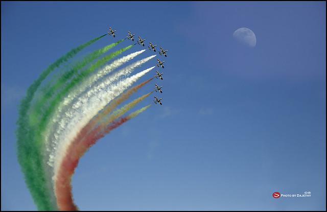 Cagliari  sulla spiaggia del Poetto lo show delle Frecce Tricolori 7 Giugno 2014