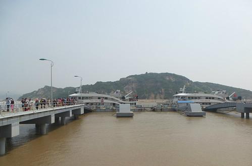 Zhejiang-Ningbo-Putuoshan-bus (12)