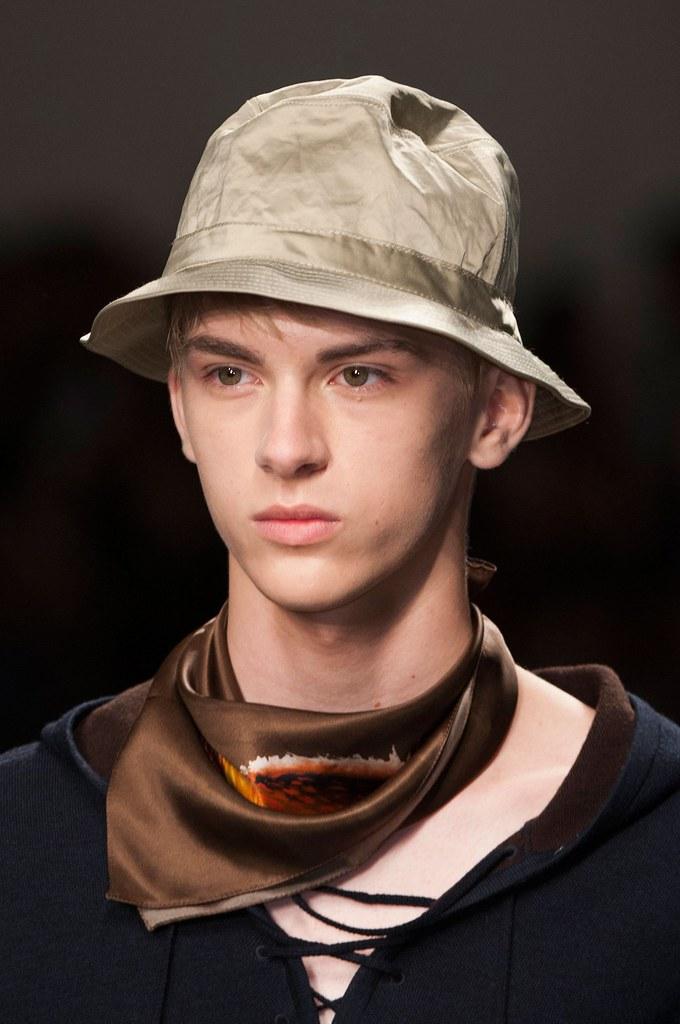 Dominik Sadoch3113_SS15 Milan Iceberg(fashionising.com)