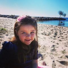 Lunch with little miss at the beach #queensland #qld #winter #beach #wynnum