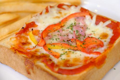 pizza toast bread