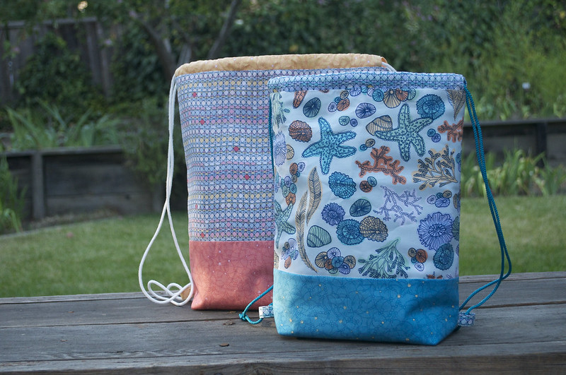 Drawstring backpack tutorial | the quilted fox