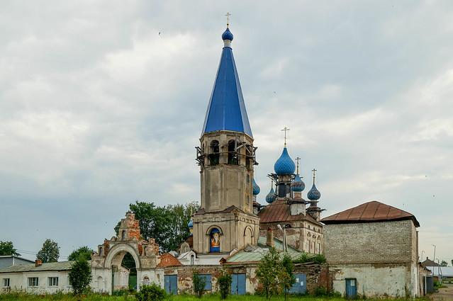 Церковь в Селе Середа.jpg
