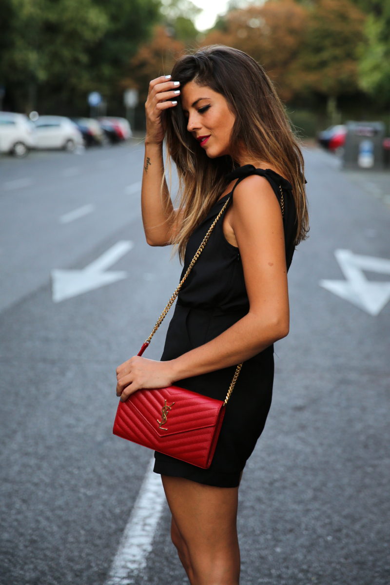 trendy_taste-look-outfit-street_style-ootd-blog-blogger-fashion_spain-moda_españa-mono.saint_laurent-red_bag-bolso_rojo-leo_sandals-sandalias_leopardo-3
