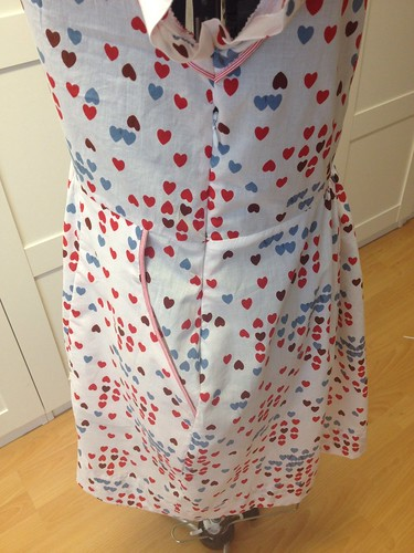 queen of hearts side seam and piped pocket