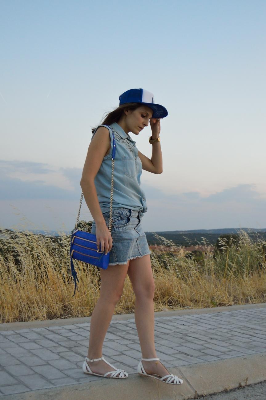 lara-vazquez-mad-lula-fashion-look-cap-denim-out