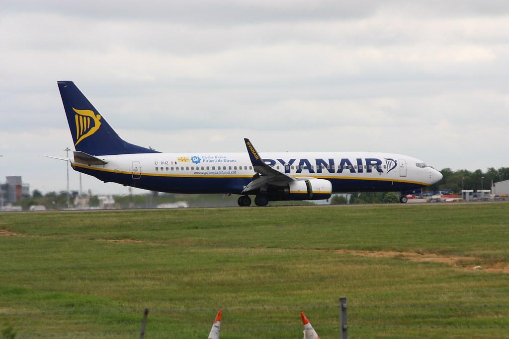 EI-DHZ - B738 - Ryanair