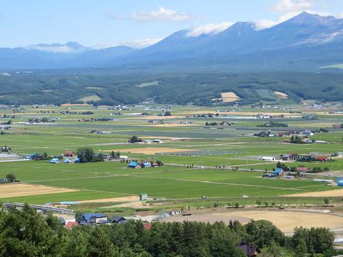 mountains japan landscape hokkaido valley tokachi nakafurano lavenderpark
