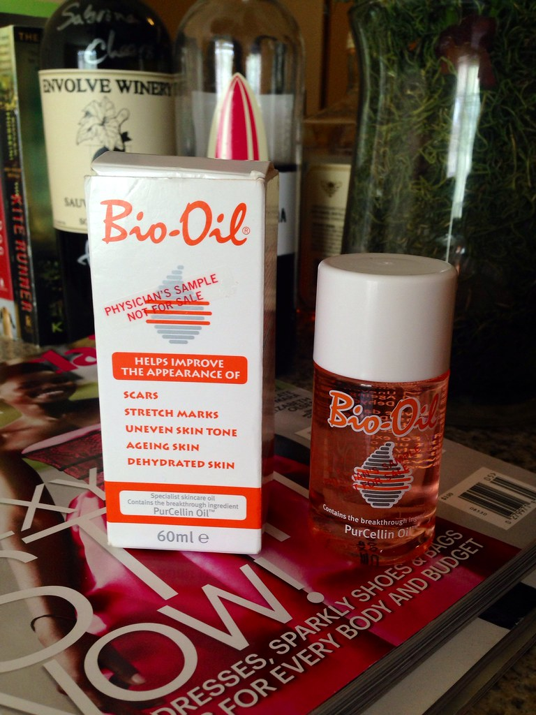 Product Review Bio Oil The 1 Scar And Stretch Mark Remover Skincare But When I Asked Them If It Can Act As A Moisturizer They Said Yes Since Is Also Good For Skin Rehydration