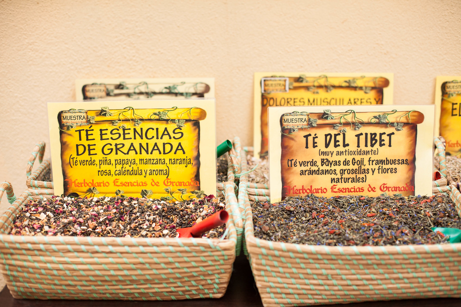 Incredible teas at Herbolario Esencias de Granada