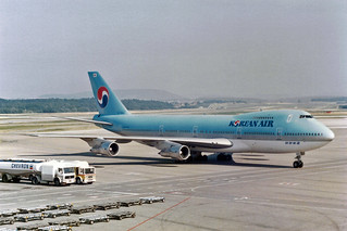 Korean Air Lines Boeing 747-2B5B HL7454