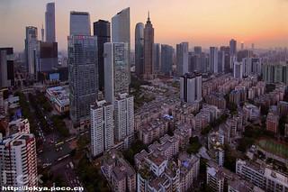 #skylines #bluesky #highview #cityscape #cityview #cityskyline #skylineview #skyscrapercity #sunset#canton #guangzhou #cantontower #zhujiangnewtown  #sunset🌅 #skyscraper #skyline #china #cbd #广州塔 #广州 #日落 #黄昏 #珠江新城 #天河 by Гок