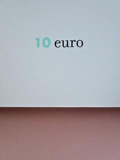 Come finisce il libro, di Alessandro Gazoia (Jumpinschark). minimum fax 2014. Progetto grafico di Riccardo Falcinelli. Quarta di copertina (part.), 6