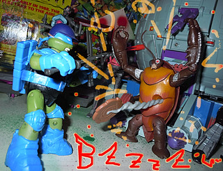 Nickelodeon  TEENAGE MUTANT NINJA TURTLES :: COCKROACH TERMINATOR V.2 xi / ..vs. NINJA AT-3 LEONARDO '13 (( 2014 ))