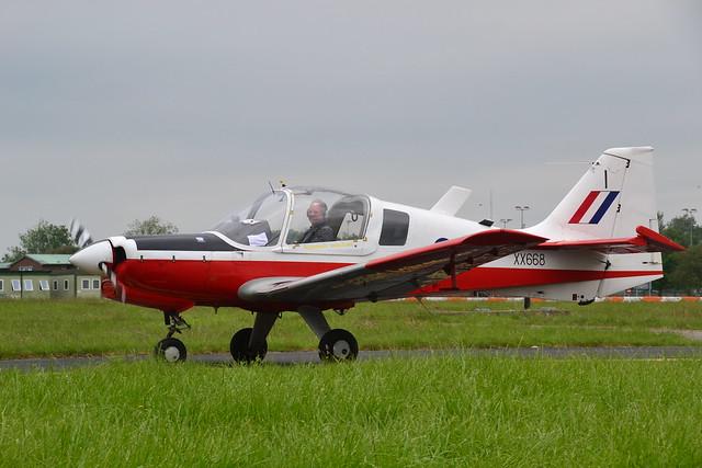 XX668/l G-CBAN Bulldog T.1