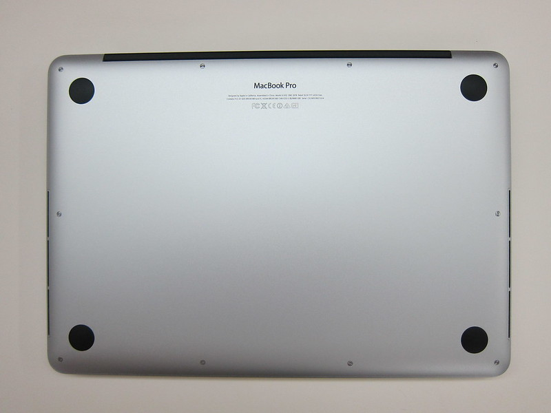 Apple MacBook Pro Retina (Late 2013) - Bottom