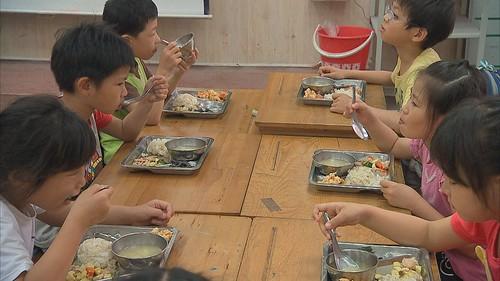 小學校的餐桌革命選用國產非基改黃豆