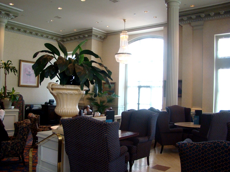 Zoes Lounge Chateau Laurier
