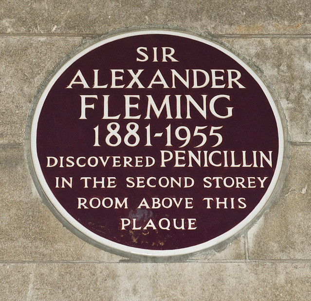 Photo of penicillin and Alexander Fleming maroon plaque