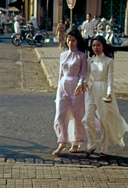 SAIGON 1963 - Photo  by Marv Godner