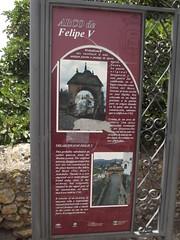 Photo of Arco de Felipe V red plaque