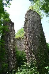 château de Lavauguyon cracked