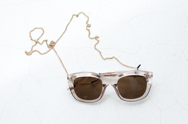 Make a simple chain sunglasses strap
