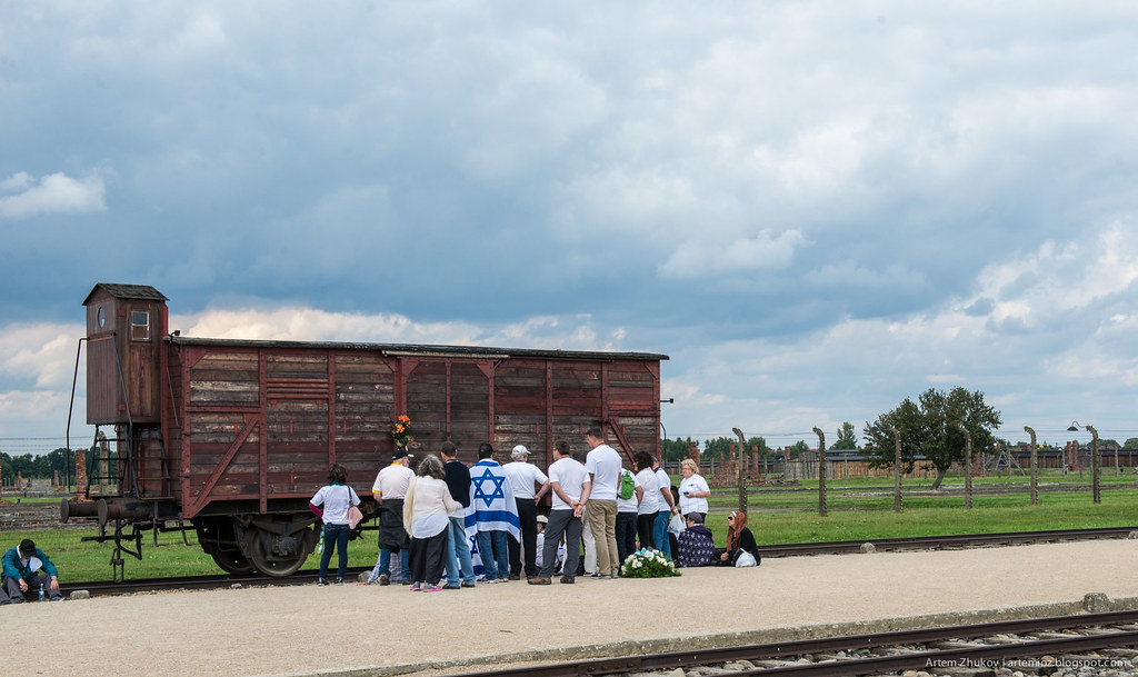 Auschwitz II–Birkenau-25.jpg