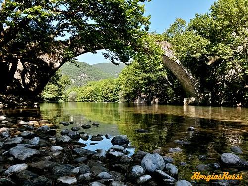 nature river greece summertime oldbridge epirus ελλάδα φύση καλοκαίρι γέφυρα ποτάμι ήπειροσ πλατάνια βοϊδομάτησ παλιόγεφύρι