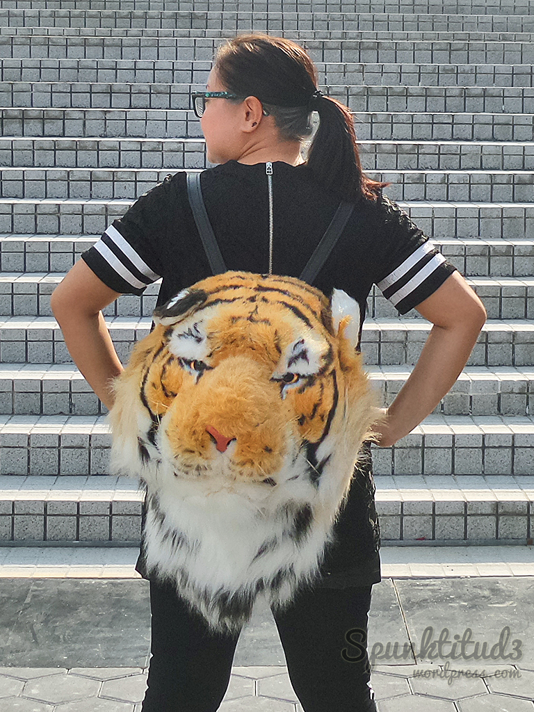 Look of the Day - Roarrr!