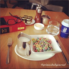 "Another Day, Another Dollar. Studying Crim Law before going to work. #whatsprinceeating: ""Fruit Loops"" www.princesdailyjournal.com #princesdailyjournal #princeinthecity #breakfast #foodie #foodart #myfab5 @bestfoodboston @nminajpriv #work #study #play #bo"