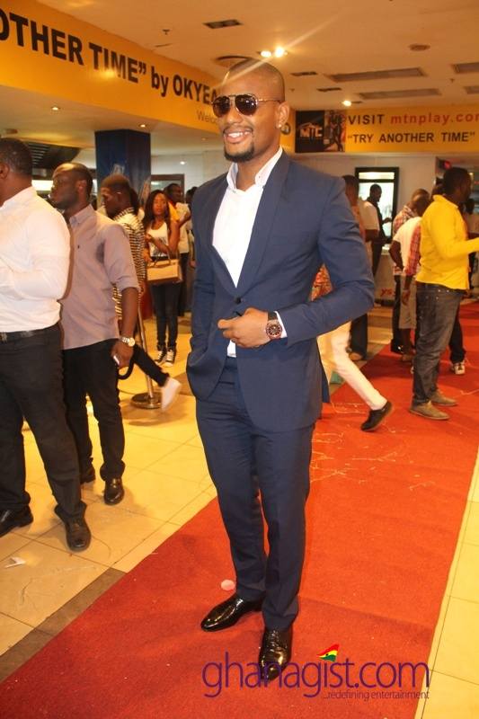 Alexx Ekubo on the red carpet