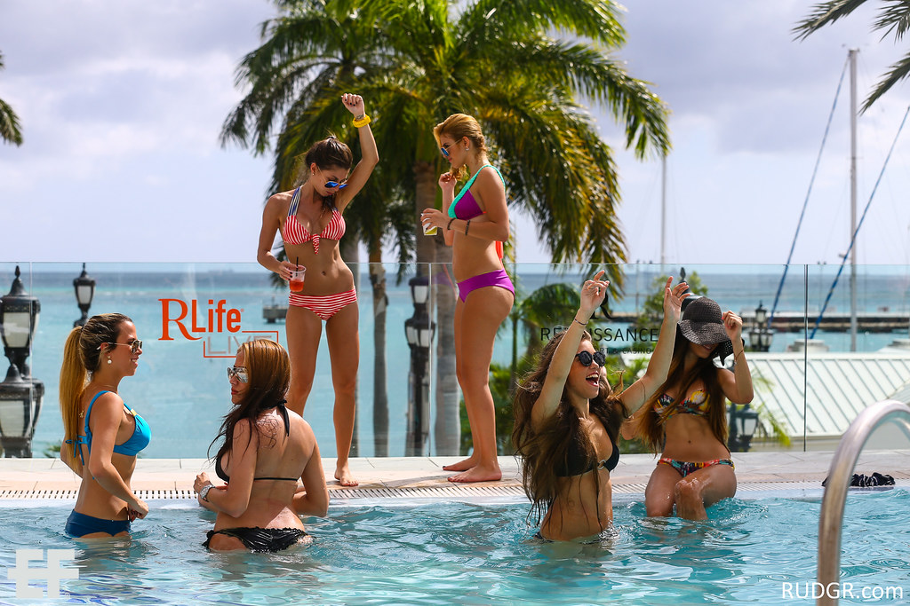 Aruba's EF 2014 ADE Poolparty with Sky Blu at the Renaissance