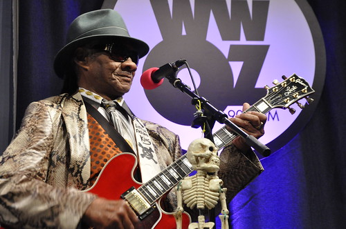 Little Freddie King at WWOZ.  Photo by Leona Strassberg Steiner.