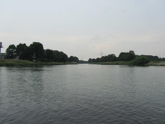 Mitten im Rhein-Herne-Kanal
