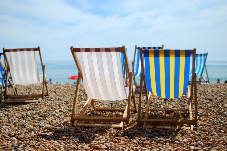 chambray and curls deck chairs on brighton beach