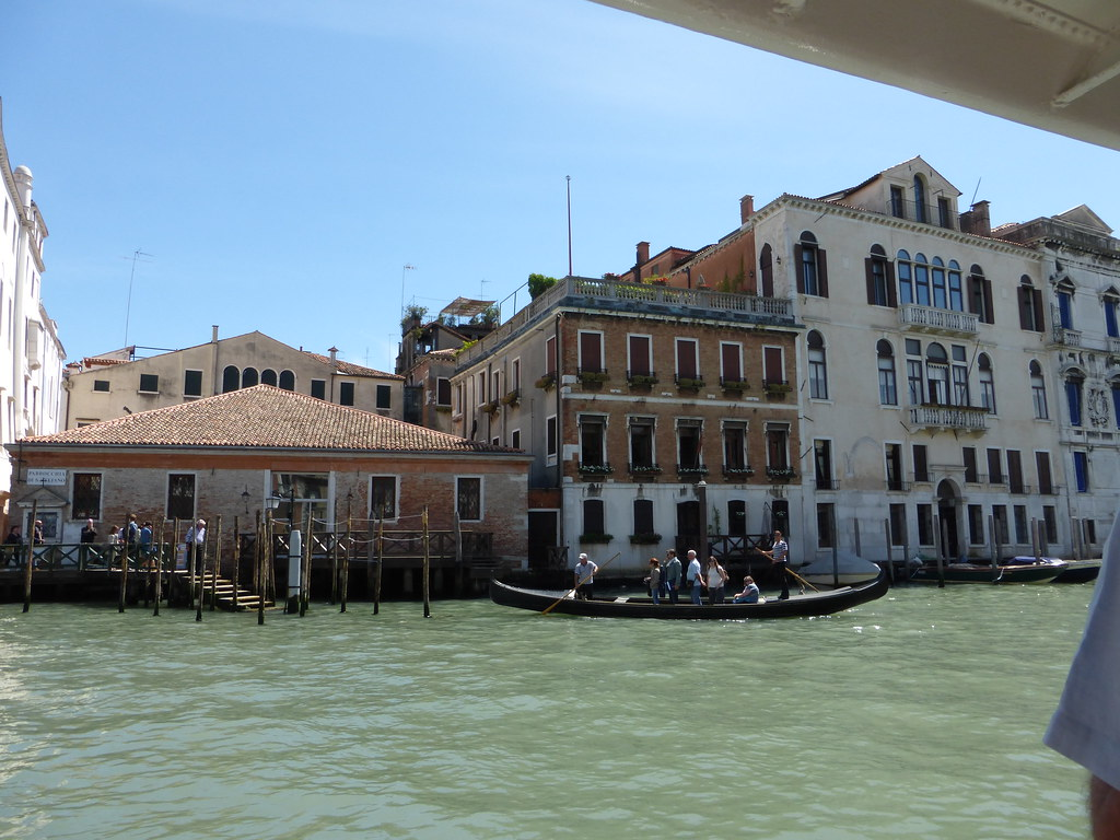 A Traghetto crossing the Grand Canal