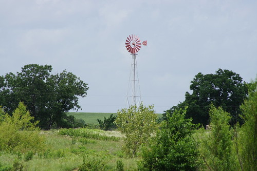 windmill clouds day cloudy hills kansas partlycloudy echovalley highway47 sal55200 sal1855 sonyslta33
