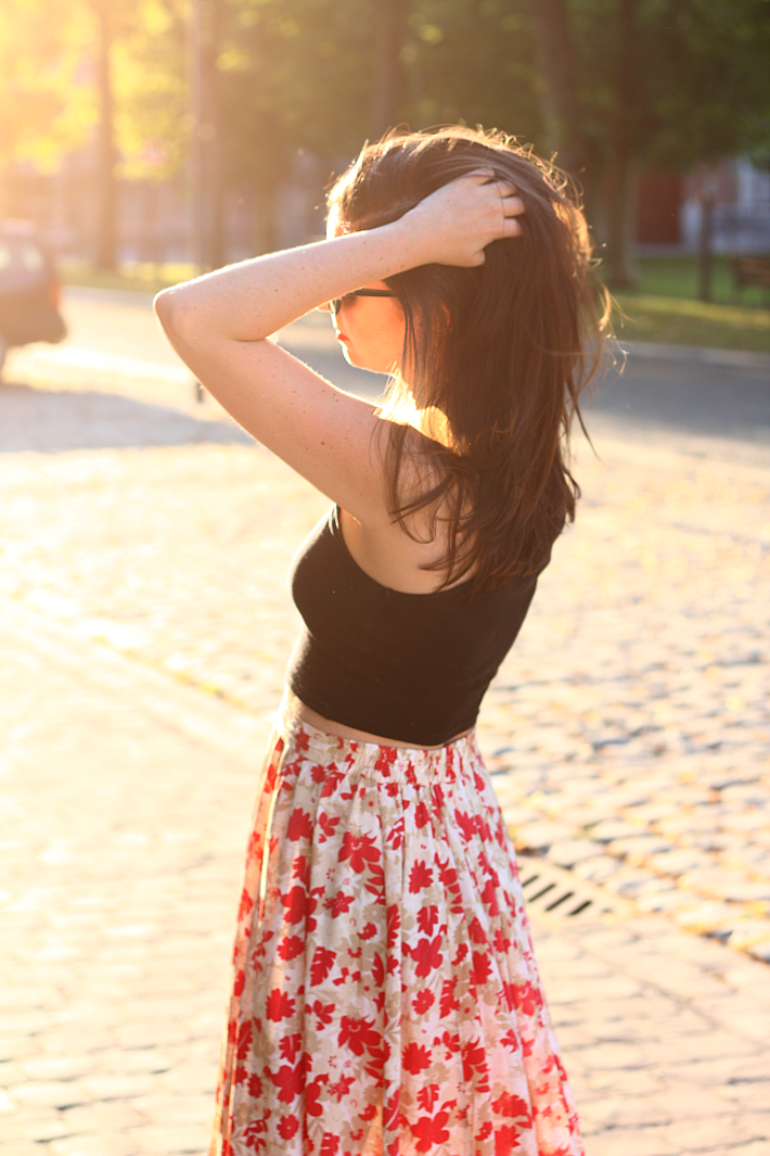 crop top vintage maxi skirt