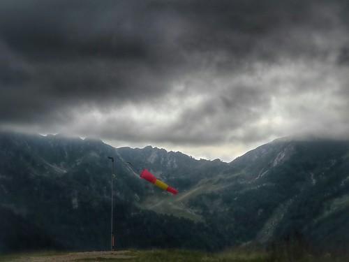 La manica a vento della Piana by Ylbert Durishti
