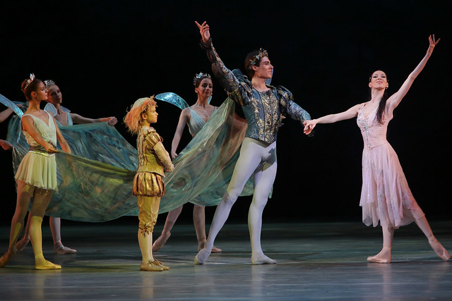 Viktoria Tereshkina and Timur Askerov in A Midsummer Night's Dream © Photo by Natasha Razina 2014